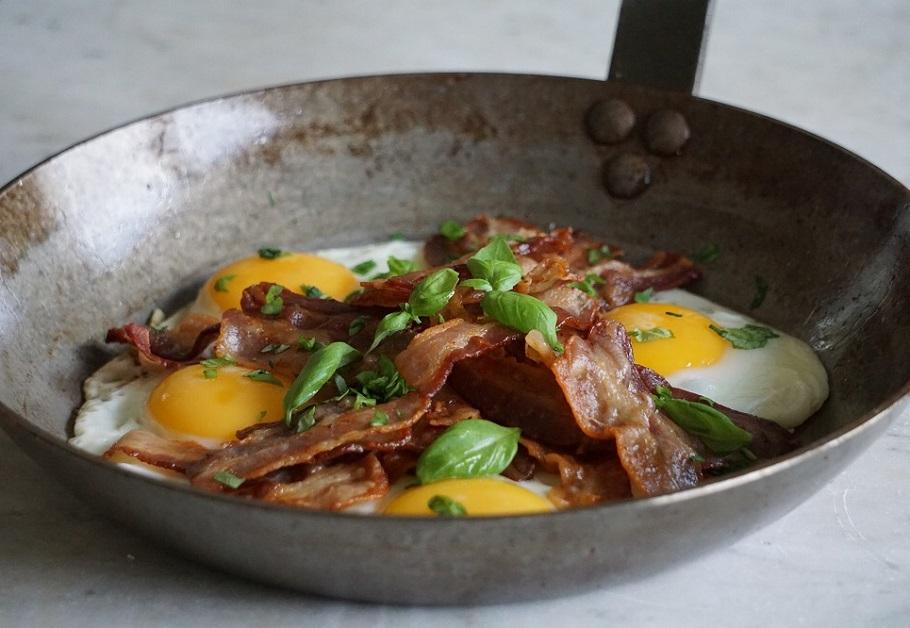 Ägg och bacon från gårdsbutik