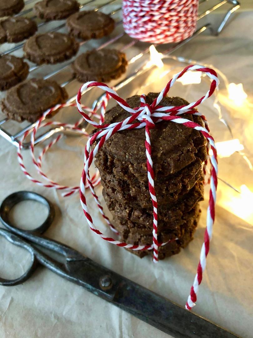 Pepparkakscookies med presentsnöre