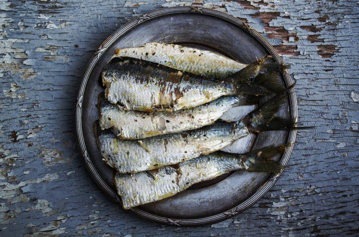Sardiner på ett fat, rika på omega 3