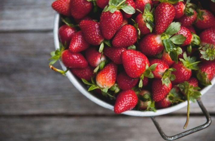 jordgubbar i durkslag
